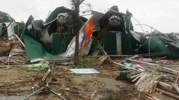 Siêu bão số 10: Cả nước 6 người chết, hôm nay lũ miền Trung lên nhanh, mưa to khắp cả nước