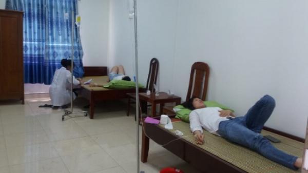 Hơn 50 du khách nhập viện cấp cứu sau khi ăn hải sản tại khu du lịch