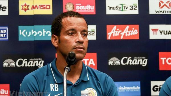 """HLV Curacao: """"Tôi thật sự không biết gì về đội tuyển Việt Nam trước King's Cup"""""""