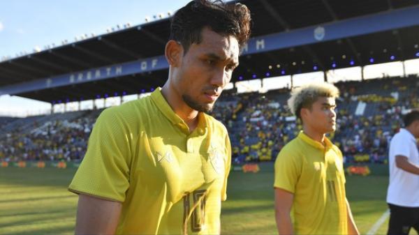 Chưa hết cay đắng sau thất bại trước Việt Nam, tuyển Thái Lan còn bị fan nước nhà phản đối vì lý do bất ngờ này