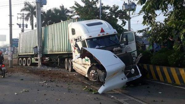Nguyên nhân vụ container đ.âm ô tô bẹp dúm khiến 5 người t.ử vong khi đang trên đường đi khám bệnh