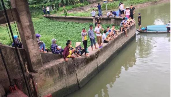 Vụ 2 bà cháu quê Hải Phòng rơi xuống sông mất tích: Gia cảnh éo le các nạn nhân
