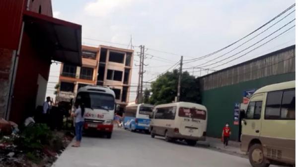 """Xe khách bỏ bến, """"đại náo"""" KCN: Bắc Ninh bến chính đìu hiu, """"bến cóc"""" rộn ràng"""