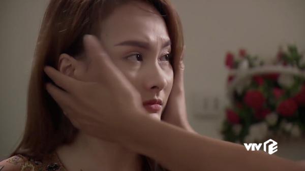 """Phục độ soi của fan Về Nhà Đi Con: Phát hiện bố Sơn """"úm ba la"""" mất tiêu bông tai của con gái"""