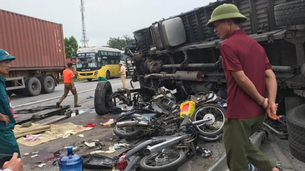 Ba vụ tai nạn trong 1 giờ đồng hồ khiến 7 người tử vong trên Quốc lộ