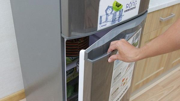 Chỉ một tờ giấy A4, tiết kiệm được cả triệu tiền điện từ tủ lạnh mỗi năm
