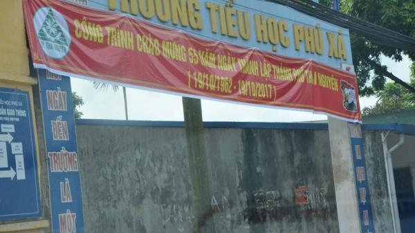 Thái Nguyên: Học sinh đến trường phải tự mua bàn ghế