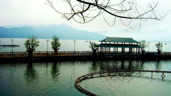 Tháng 11 gõ cửa, về với Thái Nguyên tìm lại cảm giác bình yên nơi hồ Núi Cốc thơ mộng