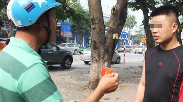 Cảnh sát giao thông hóa trang có được quyền dừng xe vi phạm?