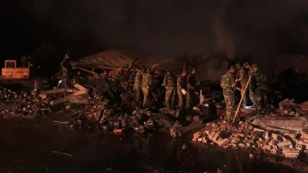 Thanh Hóa: Thức trắng đêm tìm kiếm nạn nhân vụ cháy Công ty Tràng An