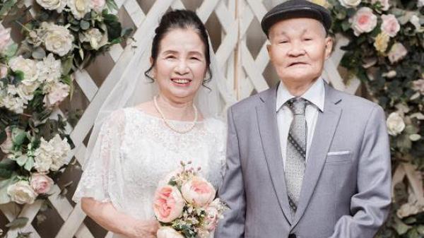 """Bộ ảnh cô dâu chú rể U80 xứ Thanh kỉ niệm 50 năm ngày cưới khiến """"vạn người mê"""""""