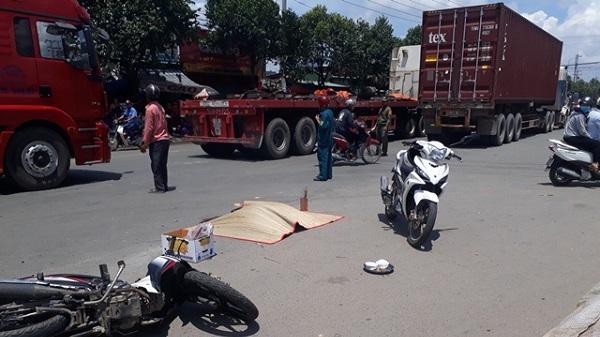 Nhân viên bảo vệ bị container chạy cùng chiều cán tử vong