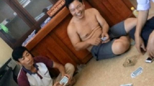 Thanh Hóa: Phạt 5 cán bộ xã đánh bài ăn tiền tại trụ sở mỗi người 1,5 triệu