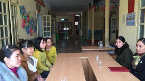 Thanh Hóa: Hiệu trưởng làm việc ngoài hành lang, nhường phòng cho học sinh học
