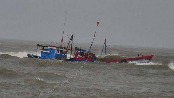 3 tàu chìm, 2 tàu mất liên lạc, nhiều ngư dân Thanh Hóa mất tích