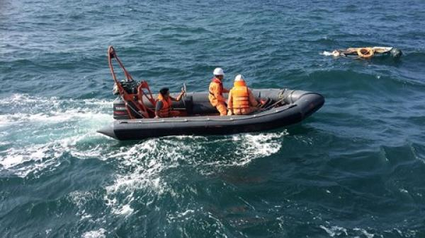 Tăng cường 3 tàu hải quân tìm kiếm 13 ngư dân Thanh Hóa đang mất tích