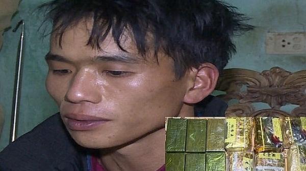 Thanh Hóa: Bắt giữ thanh niên dùng xe máy vận chuyển 6 bánh heroin và 6 kg ma túy đá