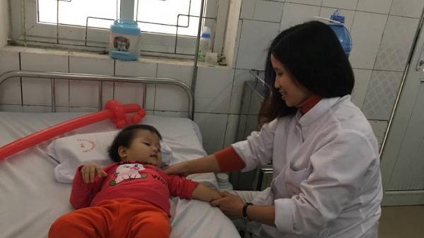 Con bại não vì mẹ lạm dụng vitamin D, canxi khi mang bầu