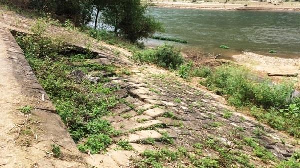 Bá Thước, Thanh Hoá: Kè chống sạt lở bờ sông Mã sụt lún nghiêm trọng