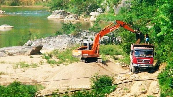 Thanh Hóa: Huyện Quan Sơn vào cuộc xử lý việc khai thác cát trên sông Lò