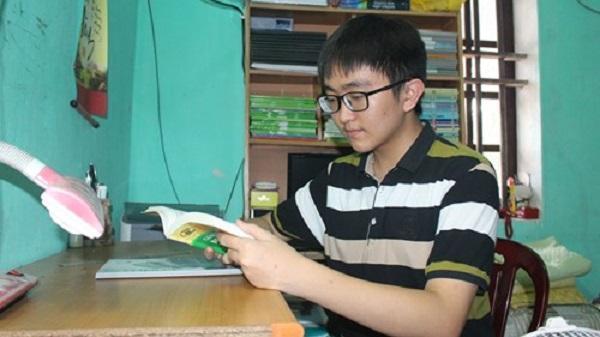 Chàng trai đạt 3 điểm 10 trong kỳ thi THPT quốc gia