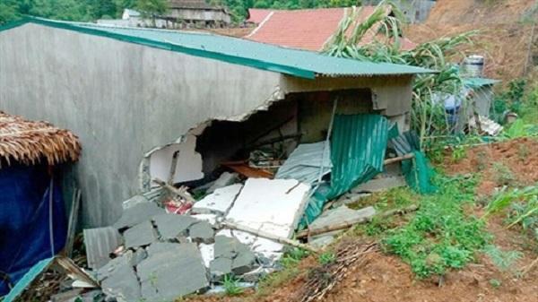 Thanh Hóa: Mưa giông làm sập nhà, một cháu bé tử vong