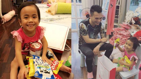Thanh Hóa: Em bé Mường Lát được ca sĩ Khắc Việt nhận đỡ đầu, hỗ trợ việc học đến hết cấp 2