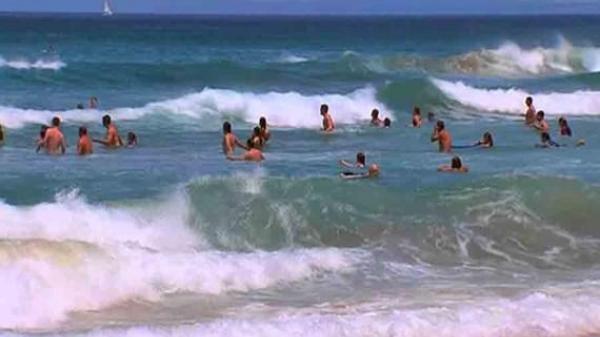 Thương tâm 2 người bạn cùng tên đi tắm biển bị sóng nhấn chìm t.ử v.ong