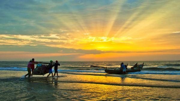 """Có một bình minh đầy """"mộng mị"""" ở bãi biển xứ Thanh"""