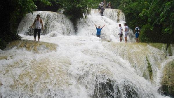 Vẻ đẹp mê hồn của thác Hiêu giữa đại ngàn xứ Thanh