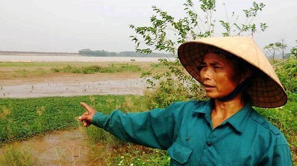 Xã cho 'đầu nậu' thuê bãi bồi giữa sông, dân bắt con cáy phải đóng phí 'BOT'
