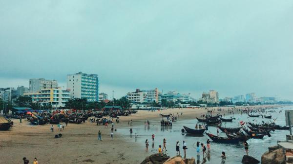 Lặng người, ngắm biển Sầm Sơn để thấy nơi đây yên bình đến nhường nào!