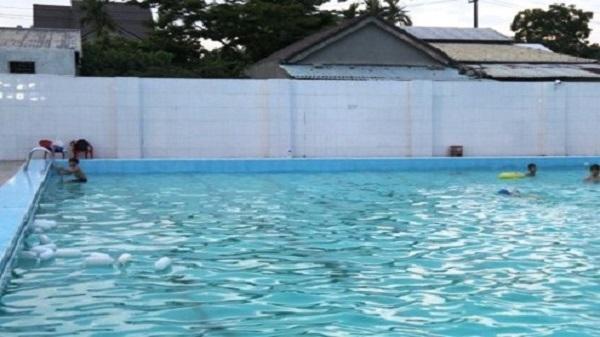 Thanh Hóa: Nam sinh lớp 10 chết bất thường trong bể bơi