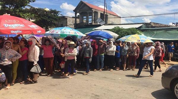 Thanh Hóa: Hàng trăm công nhân tập trung đòi quyền lợi