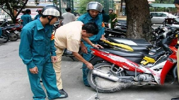 CSGT Thanh Hóa lại dùng súng bắn lưới bắt 'quái xế'