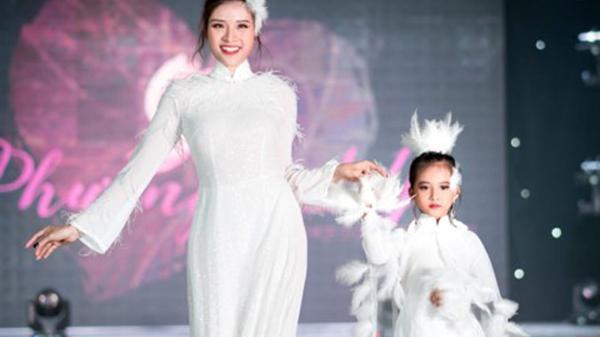 Hé lộ về nhóc tì Thanh Hóa xuất hiện ấn tượng bên cạnh HH Phan Hoàng Thu