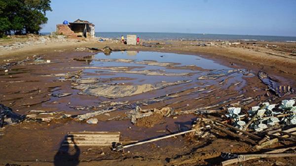 Hoằng Hóa (Thanh Hóa): Nhiều chủ đầm tôm trắng tay sau bão Doksuri