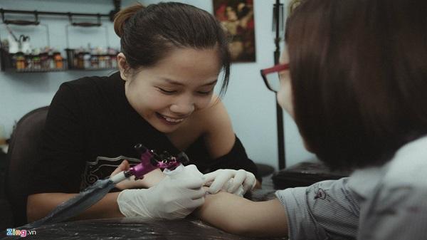 Thanh Hóa: Cựu thí sinh Olympia bỏ việc lương nghìn đô làm thợ xăm hình