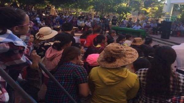 Quảng Xương (Thanh Hóa): Phụ huynh đồng loạt cho con nghỉ học để phản đối bảng dự thu