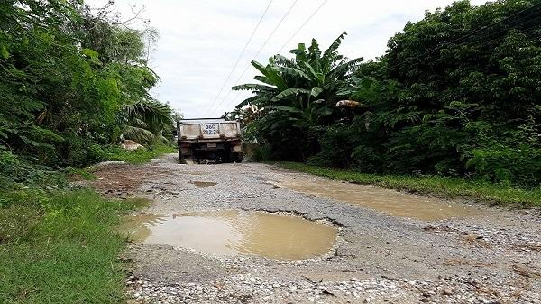 Huyện Hậu Lộc (Thanh Hóa): Dân kêu trời vì đường xuống cấp