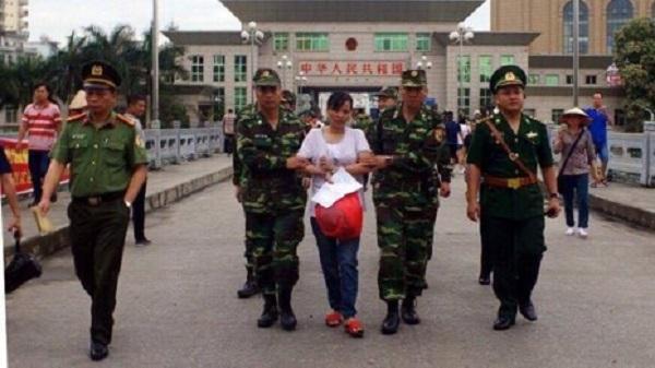 Tiếp nhận đối tượng có lệnh truy nã đặc biệt trốn sang Trung Quốc