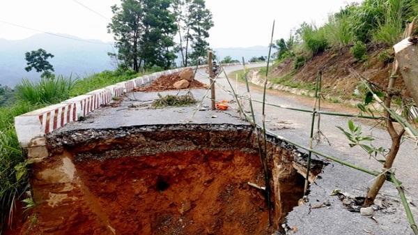 Thanh Hóa: Xuất hiện hố tử thần sau mưa lũ