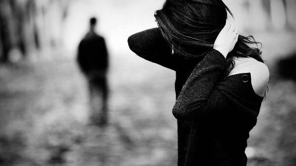 Là anh hèn nhát hay vì tình yêu của em chưa đủ lớn để kéo anh lại bên em?