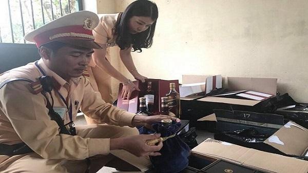 Thanh Hóa: Bắt giữ 347 chai rượu ngoại không rõ nguồn gốc