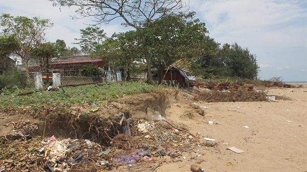 Thanh Hóa: Biển xâm thực, tính mạng hàng ngàn người dân Quảng Nham bị đe dọa