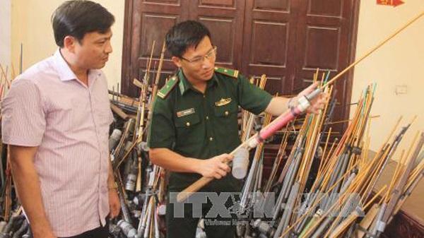 Thanh Hóa: Người dân giao nộp trên 2.000 súng, nòng súng săn