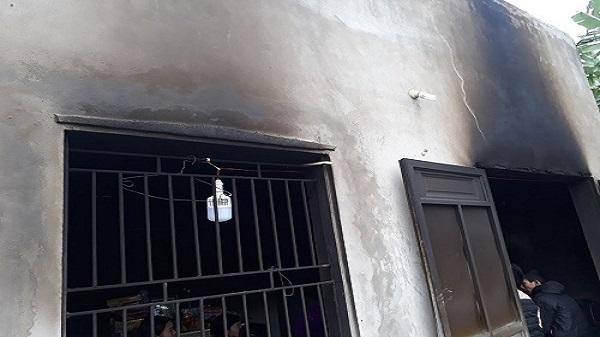 Thanh Hóa: Để con nhỏ tự chơi tại nhà, một bé trai chết thương tâm do cháy nhà