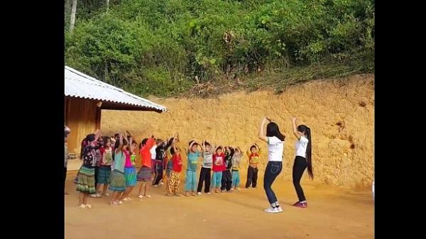 Sự thật clip cô giáo cắm bản dạy học sinh vùng cao nhảy hút hàng trăm nghìn lượt xem