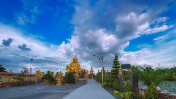 Ở miền Tây bạn nhất định không thể bỏ qua ngôi chùa cảnh đẹp tựa chốn bồng lai tiên cảnh này được!