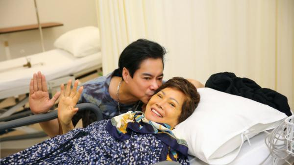Mẹ qua đời vì bạo bệnh, ca sĩ Ngọc Sơn đau đớn không thể về chịu tang vì đang cách ly